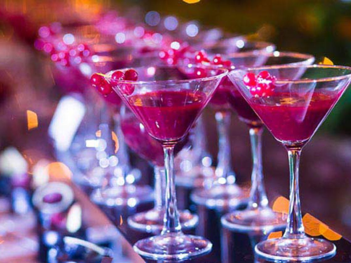 Hire a Cocktail Bartender for Groups in Newcastle