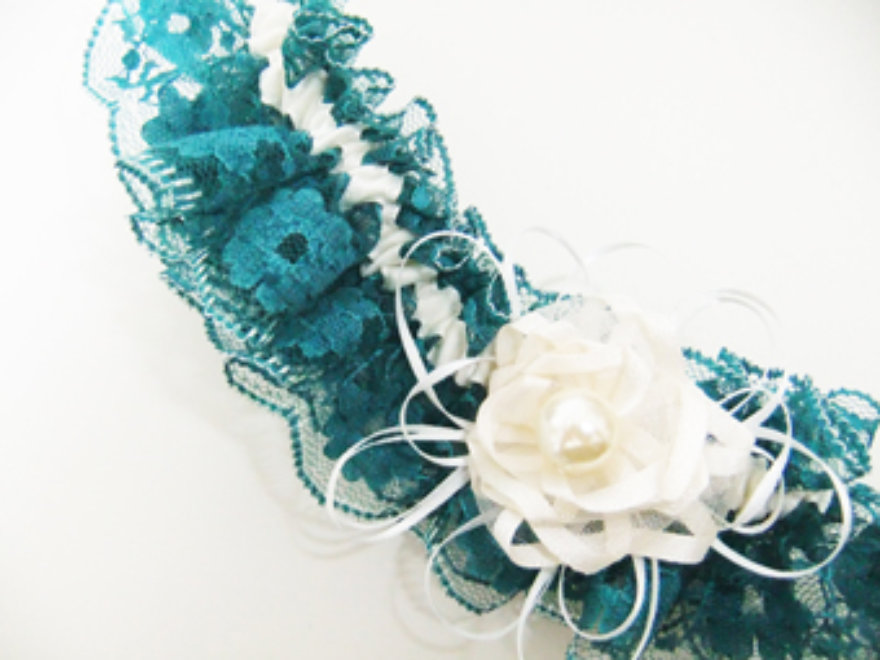 Mobile Garter Making Birthday Party