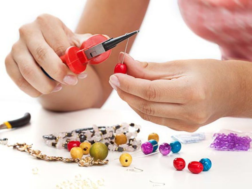 Mobile Jewellery Making Birthday Party Oxford