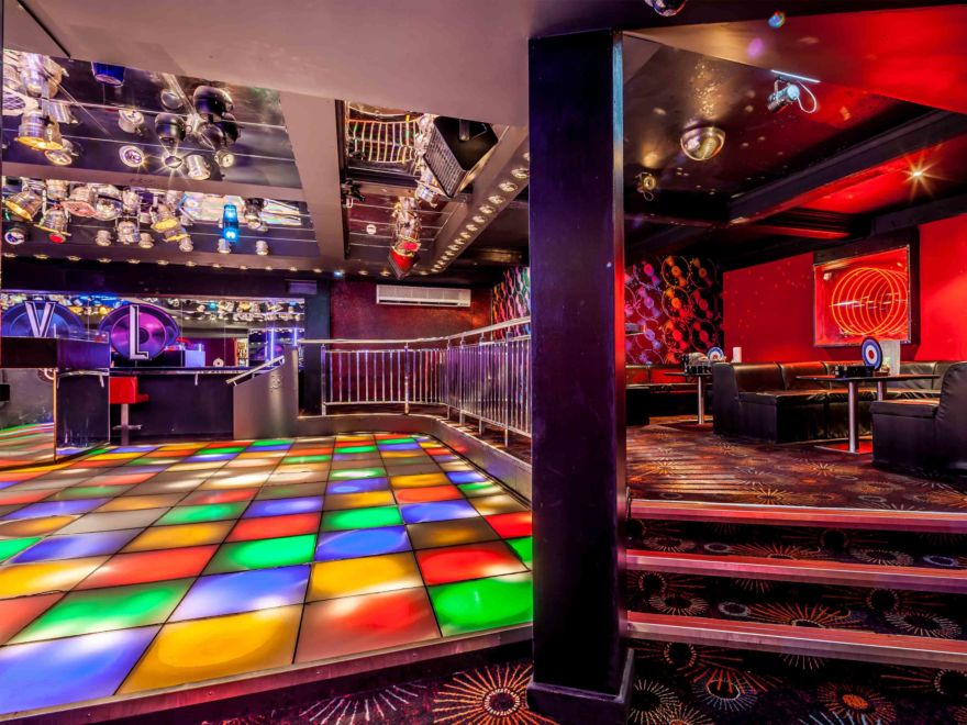 Atik Nightclub & Booths Hen Party Edinburgh