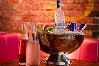 Exclusive Late Bar, Booths & Drinks Hen Party