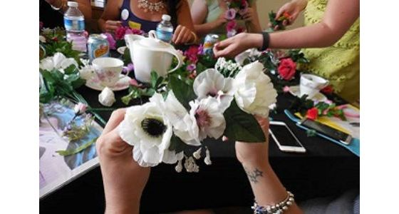 Mobile Flower Crown Making Hen Party