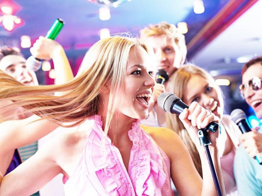 Karaoke Booth & Drinks Hen Party Manchester