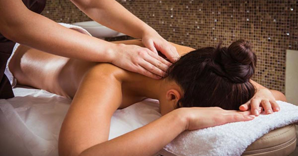 Learn to Massage Hen Party Leeds