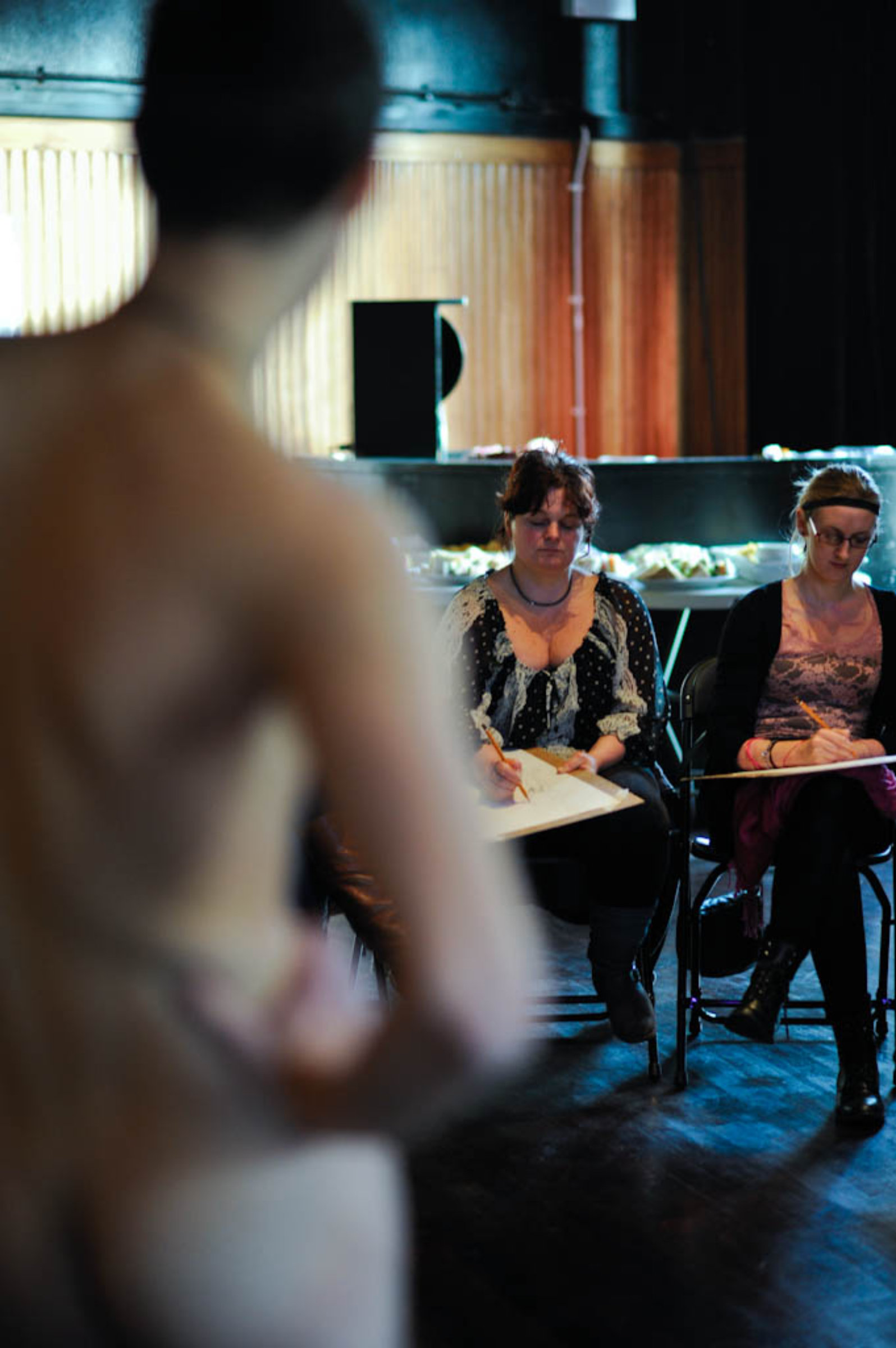 Nude art classes in leeds apologise, but