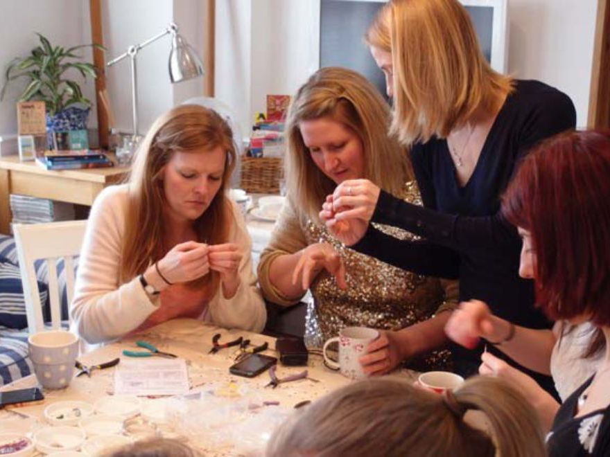 Newcastle mobile jewellery making hen party for Hen party at home decorations