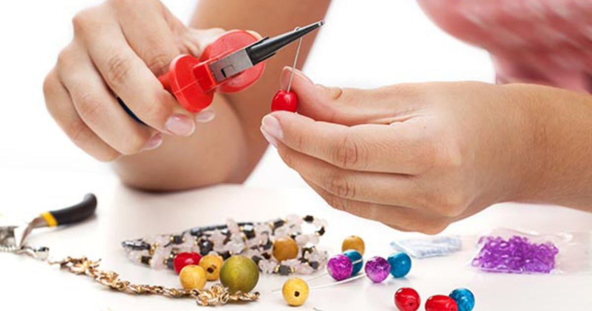 Mobile Jewellery Making Hen Party Manchester