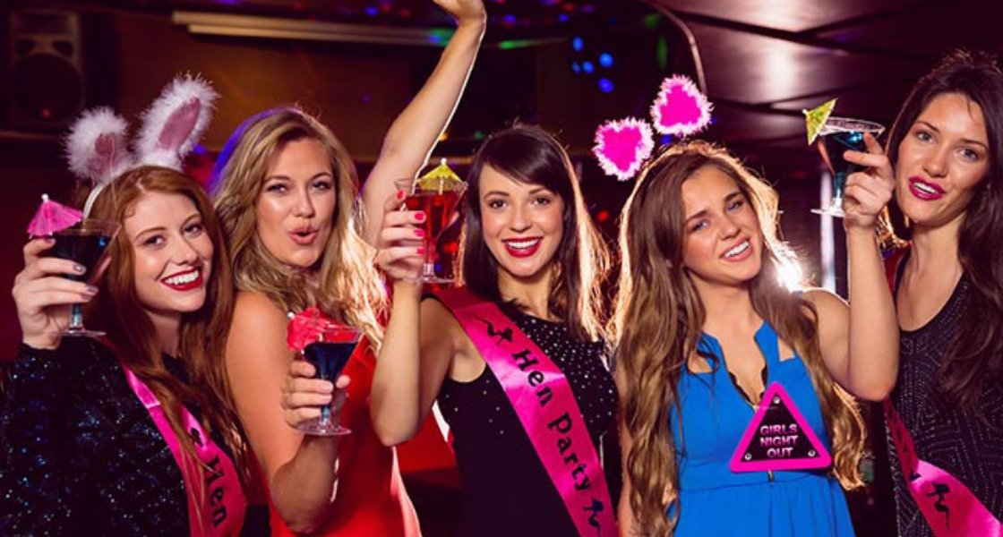 Party on a Bus Bars & Nightclub Tour Hen Party London