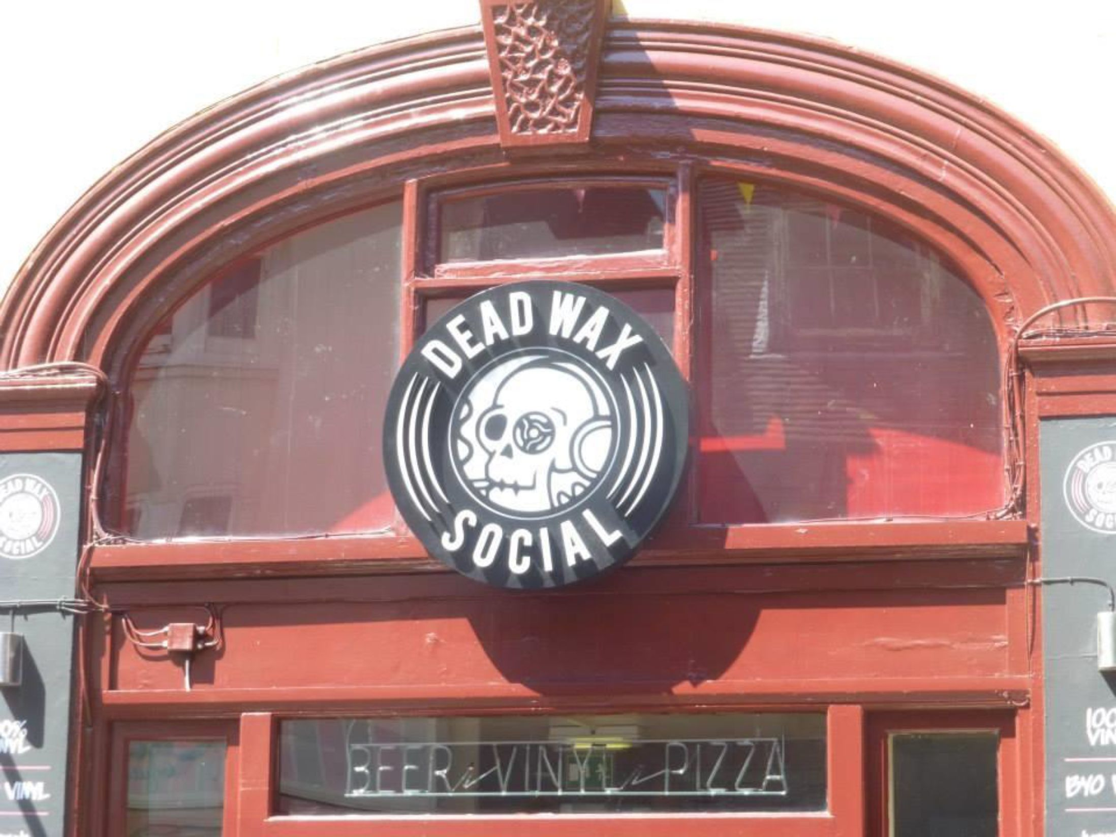 Best Bars in Brighton - Dead Wax Social