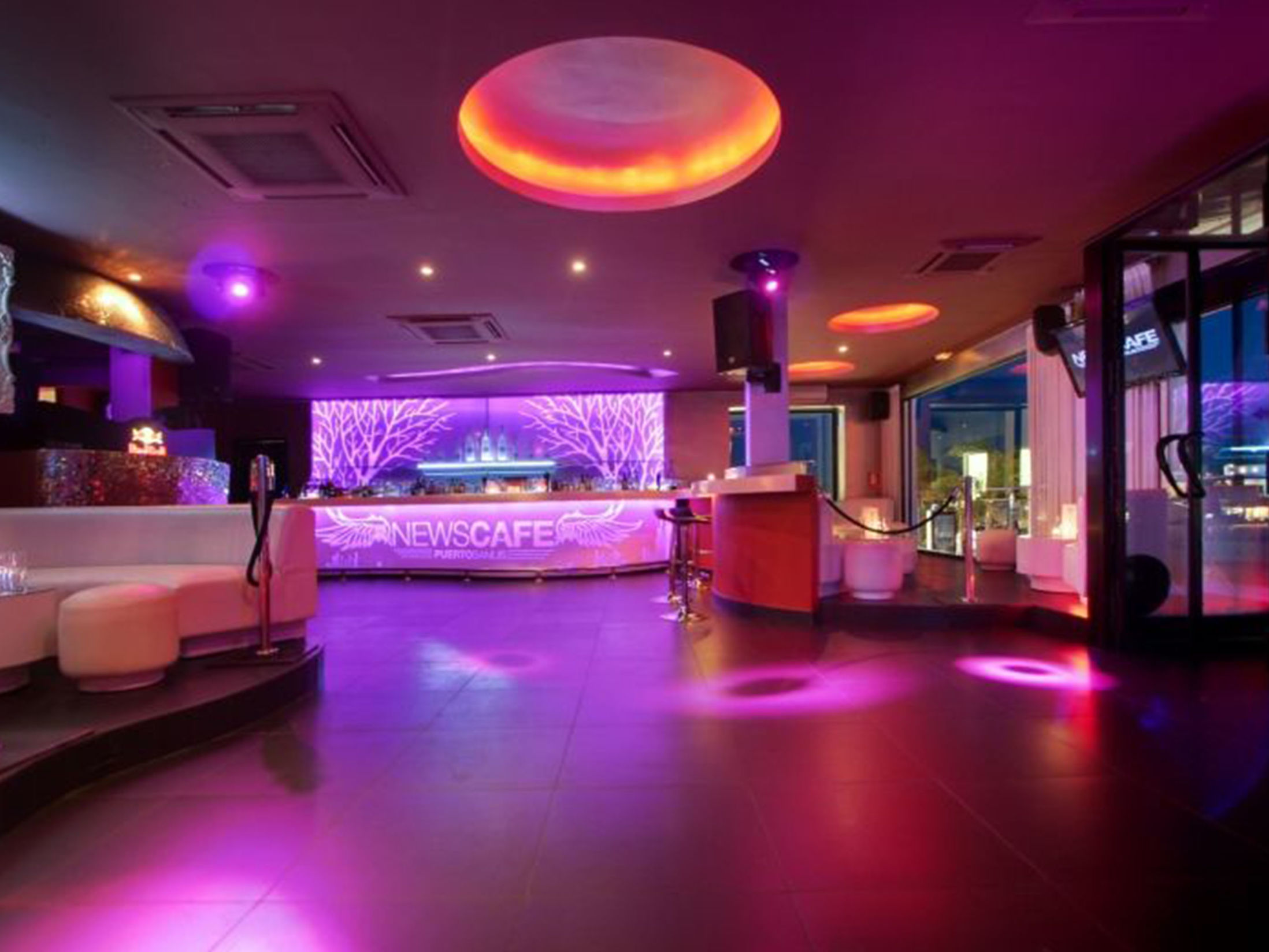 Best Clubs in Marbella - News Café
