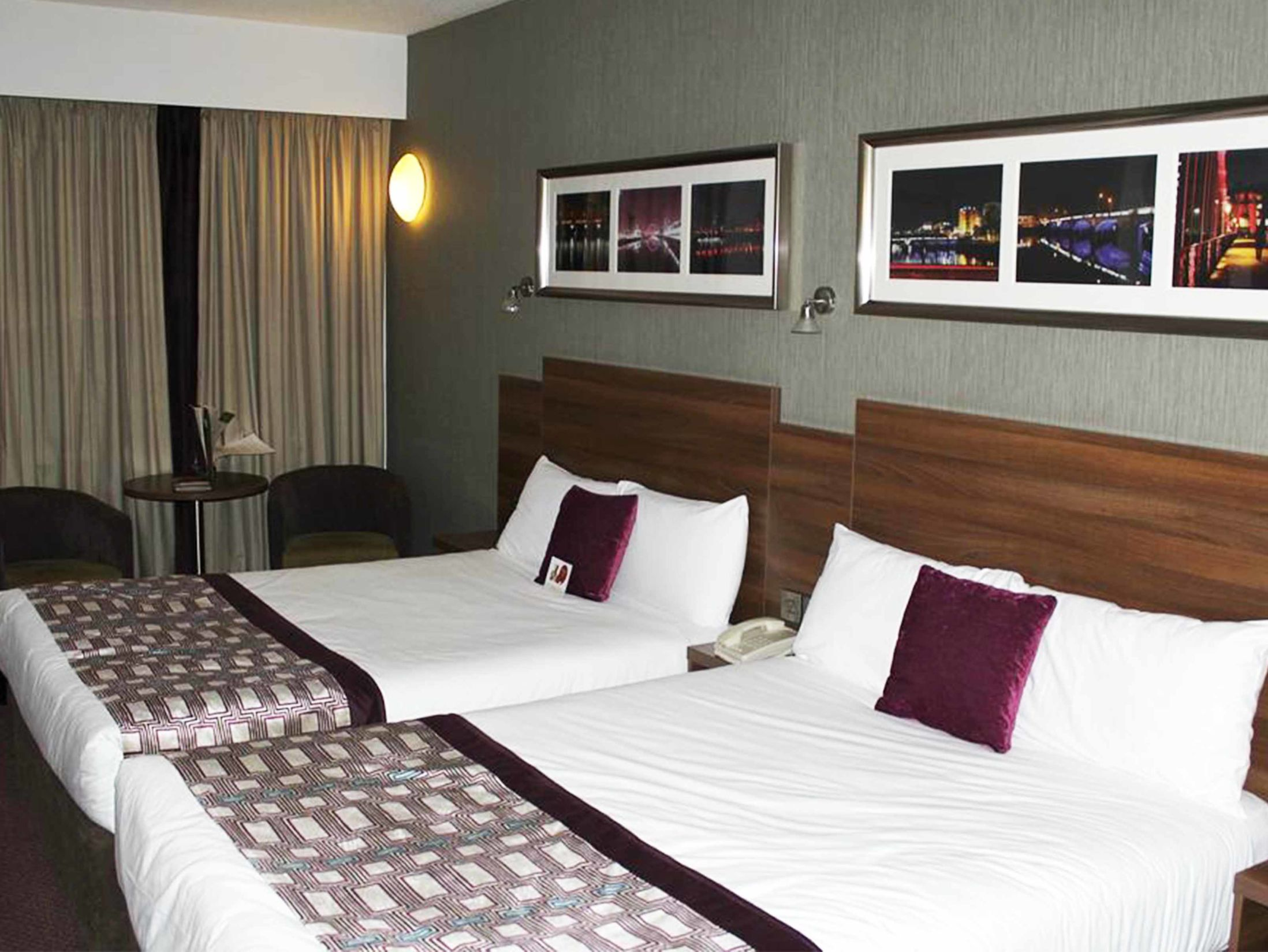 Best Hotels in Glasgow -Jurys Inn