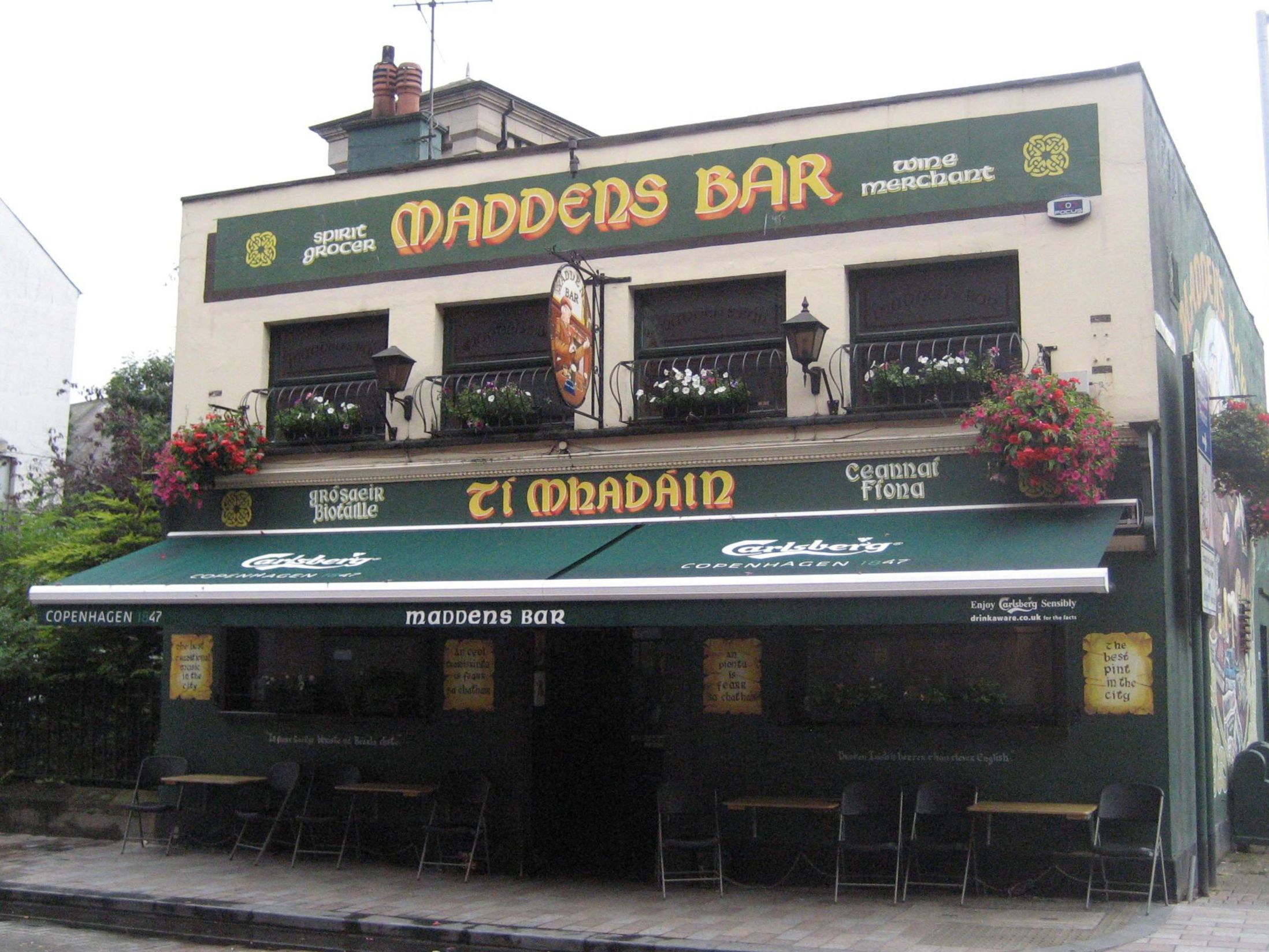 Best Pubs in Belfast - Maddens Bar