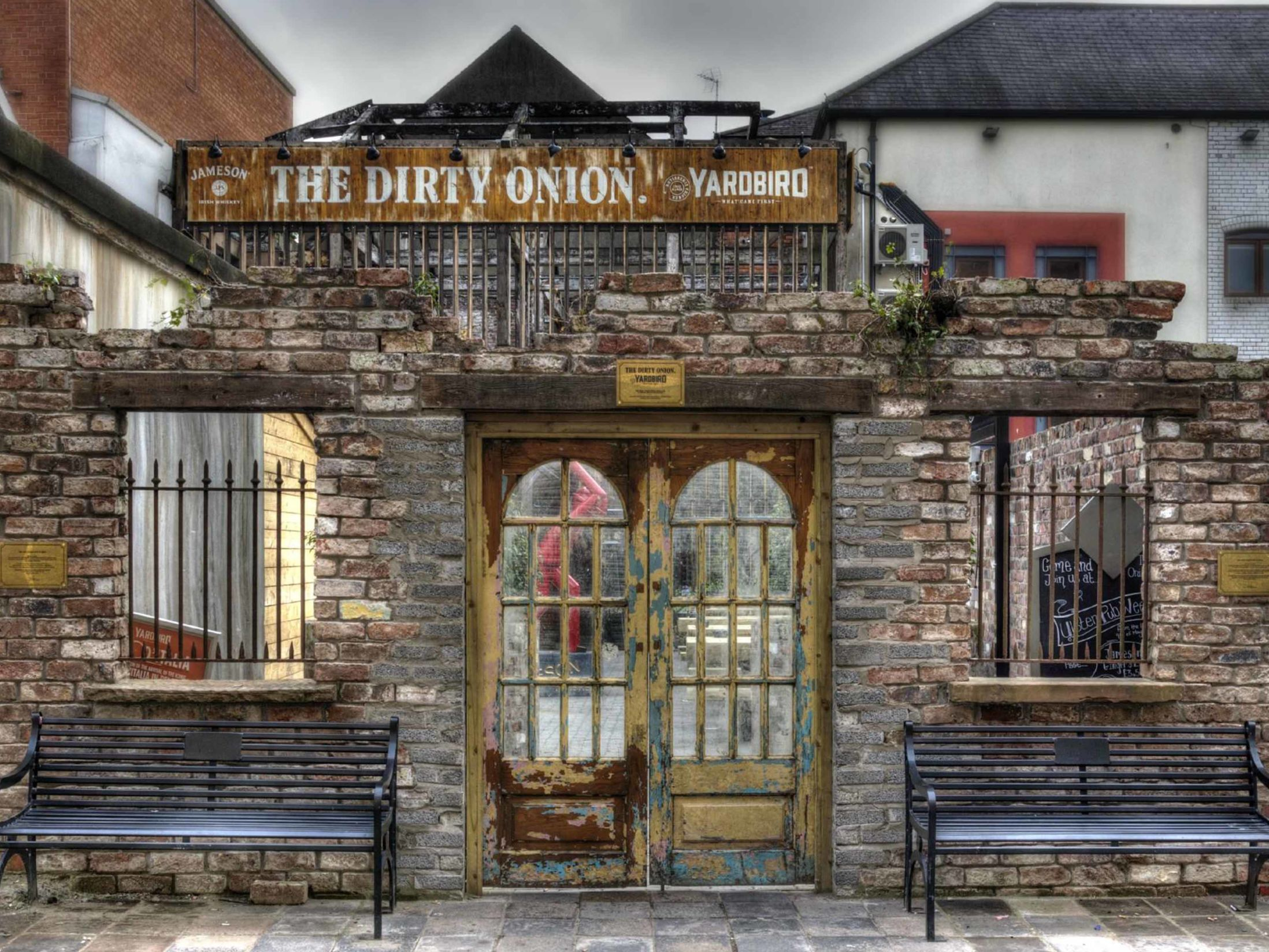 Best Pubs in Belfast - The Dirty Onion