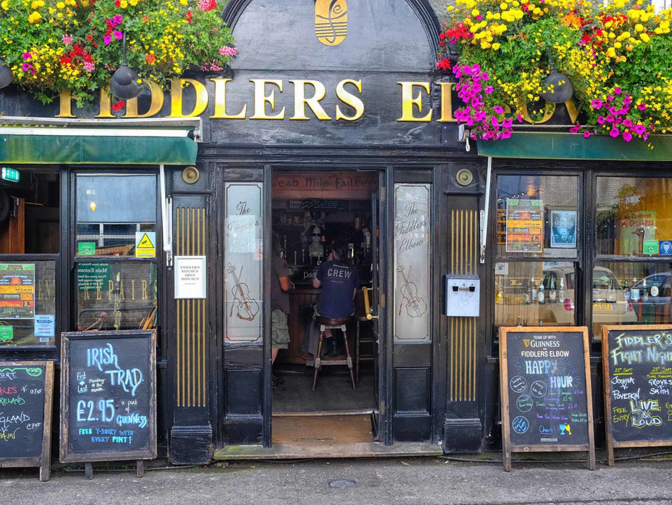 Best Pubs in Brighton - The Fiddlers Elbow