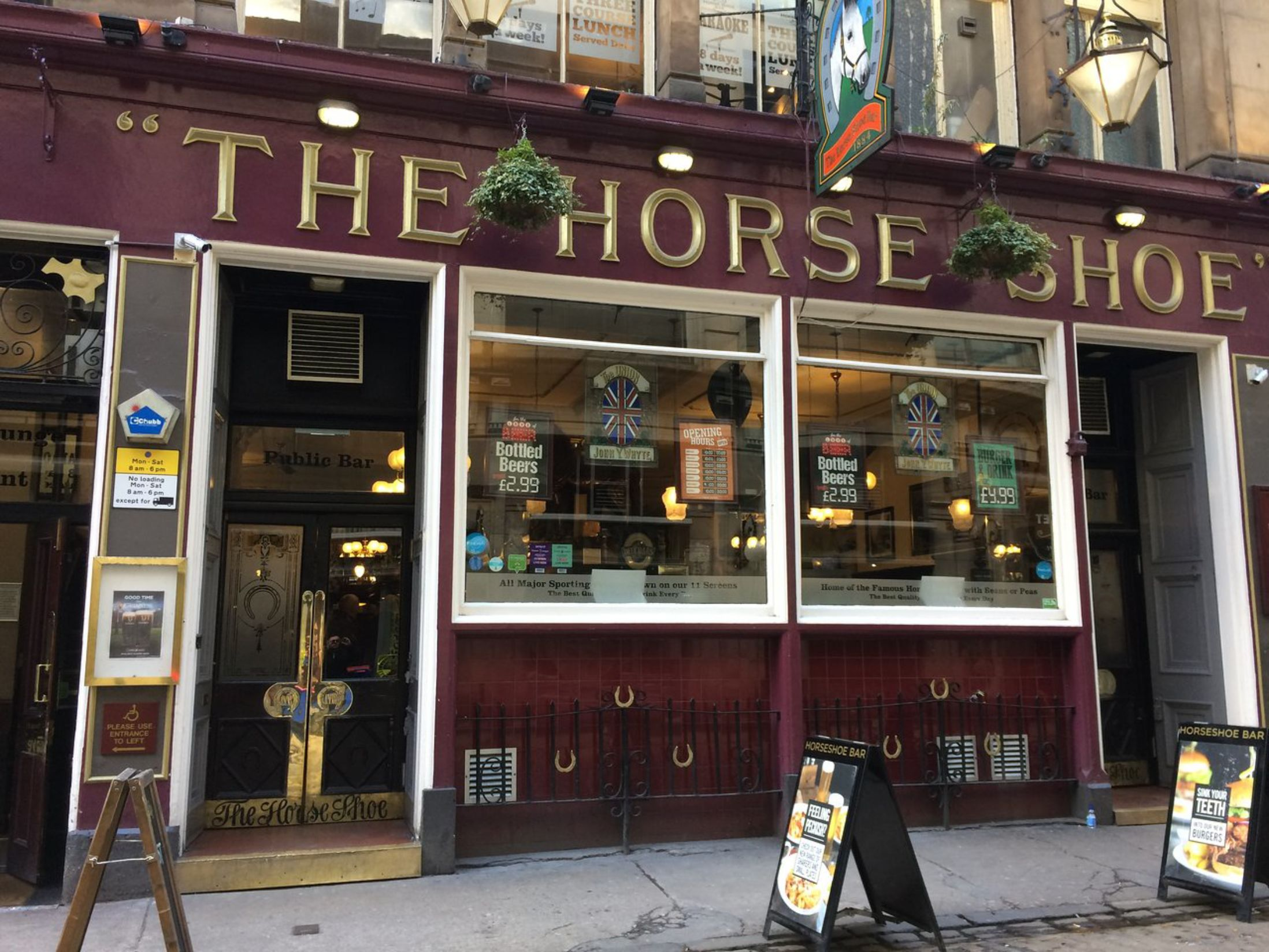 Best Pubs in Glasgow - The Horseshoe Bar