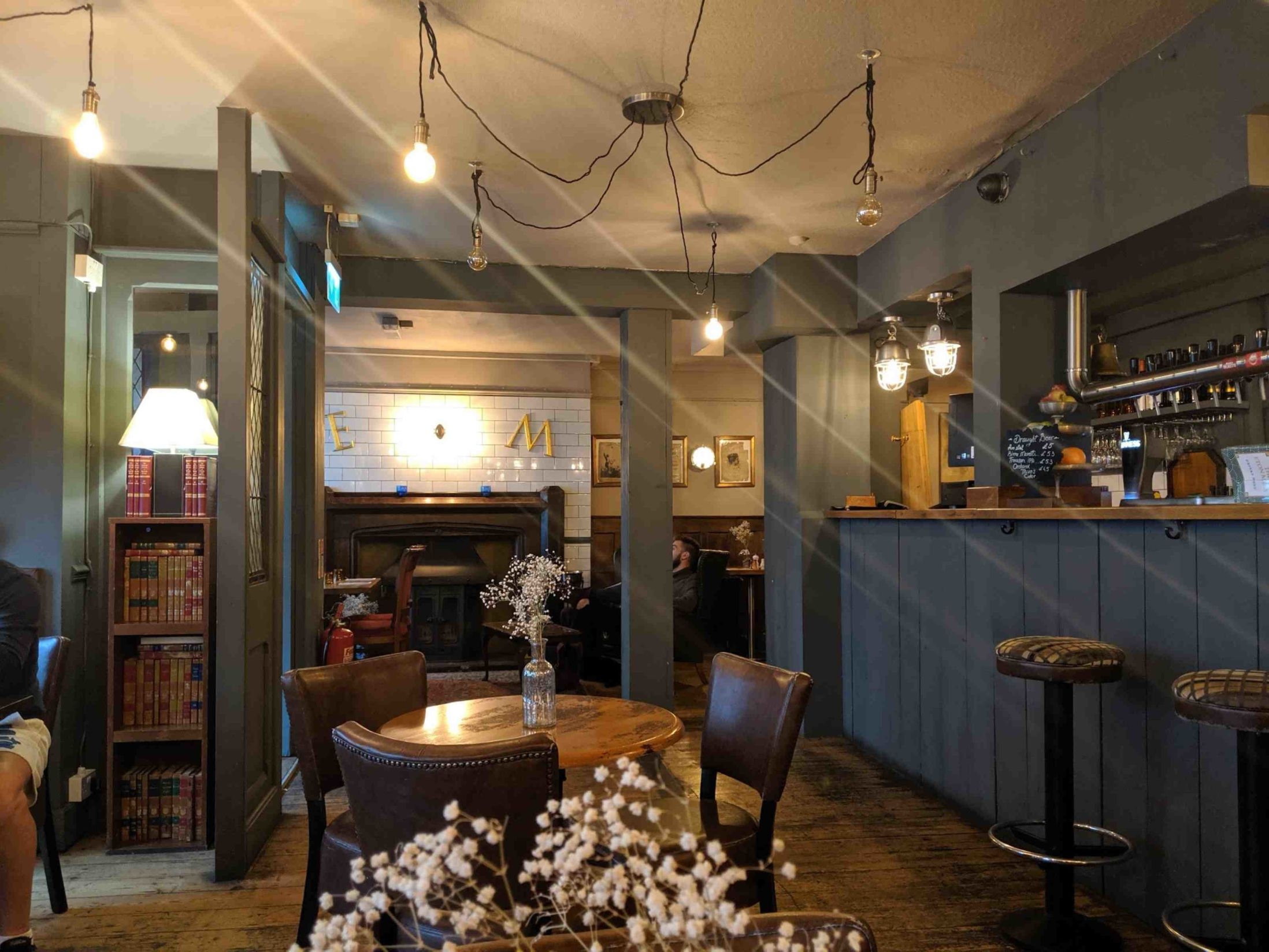 Best Pubs in Windsor - The Eton Mess