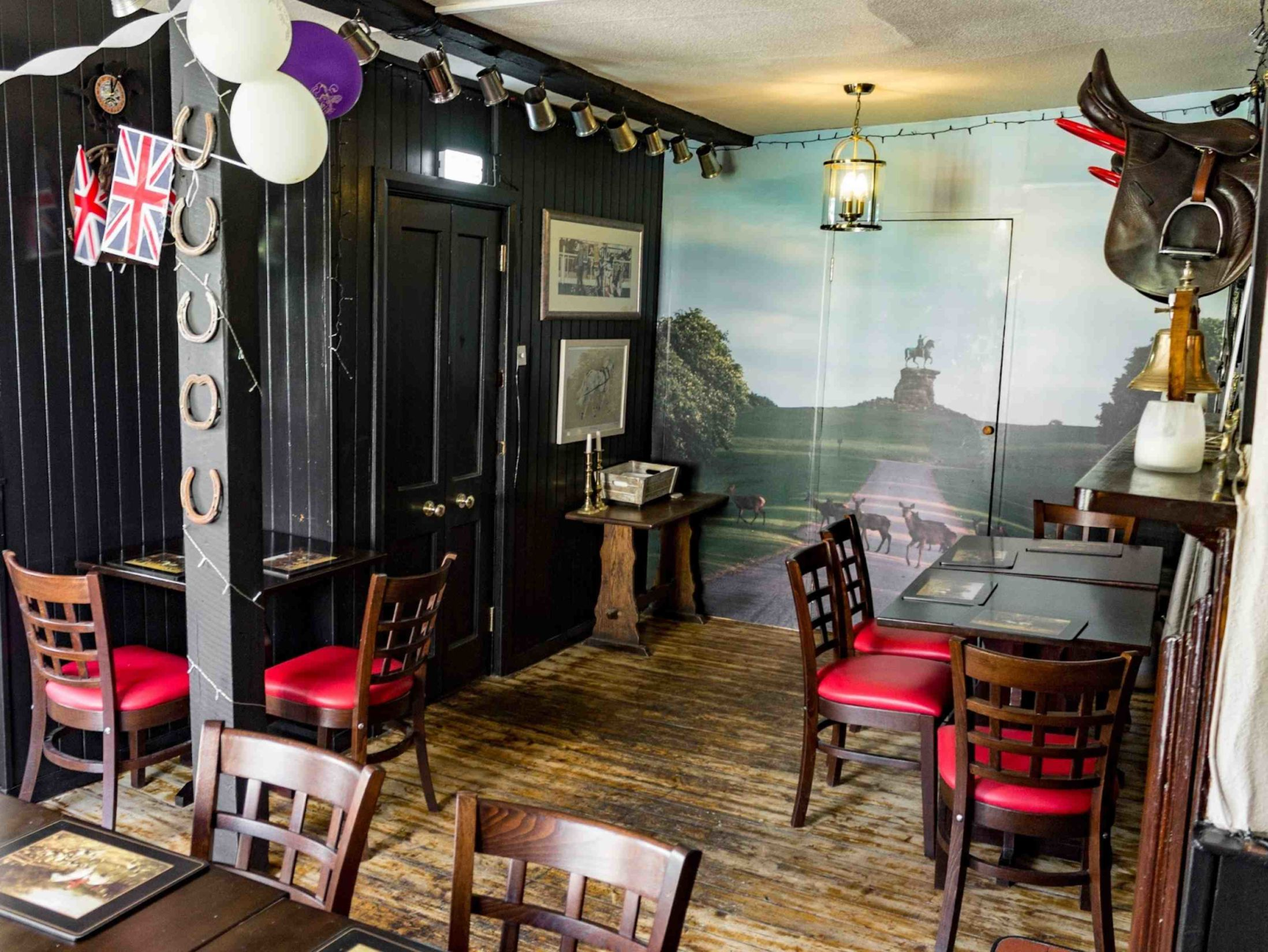 Best Pubs in Windsor - The Horse & Groom