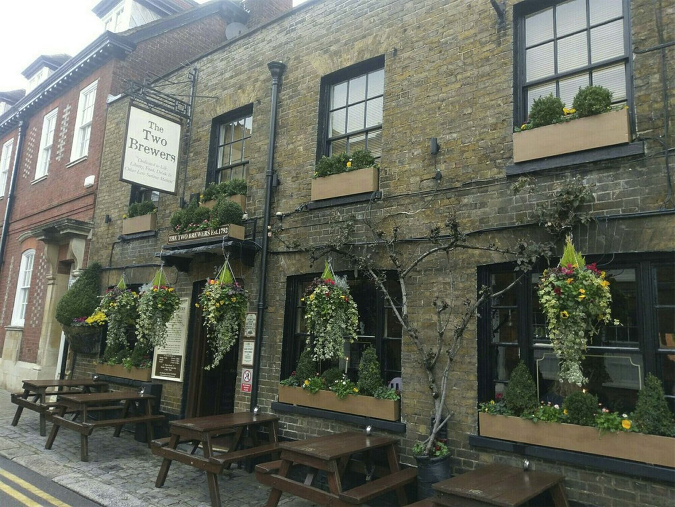 Best Pubs in Windsor - The Two Brewers