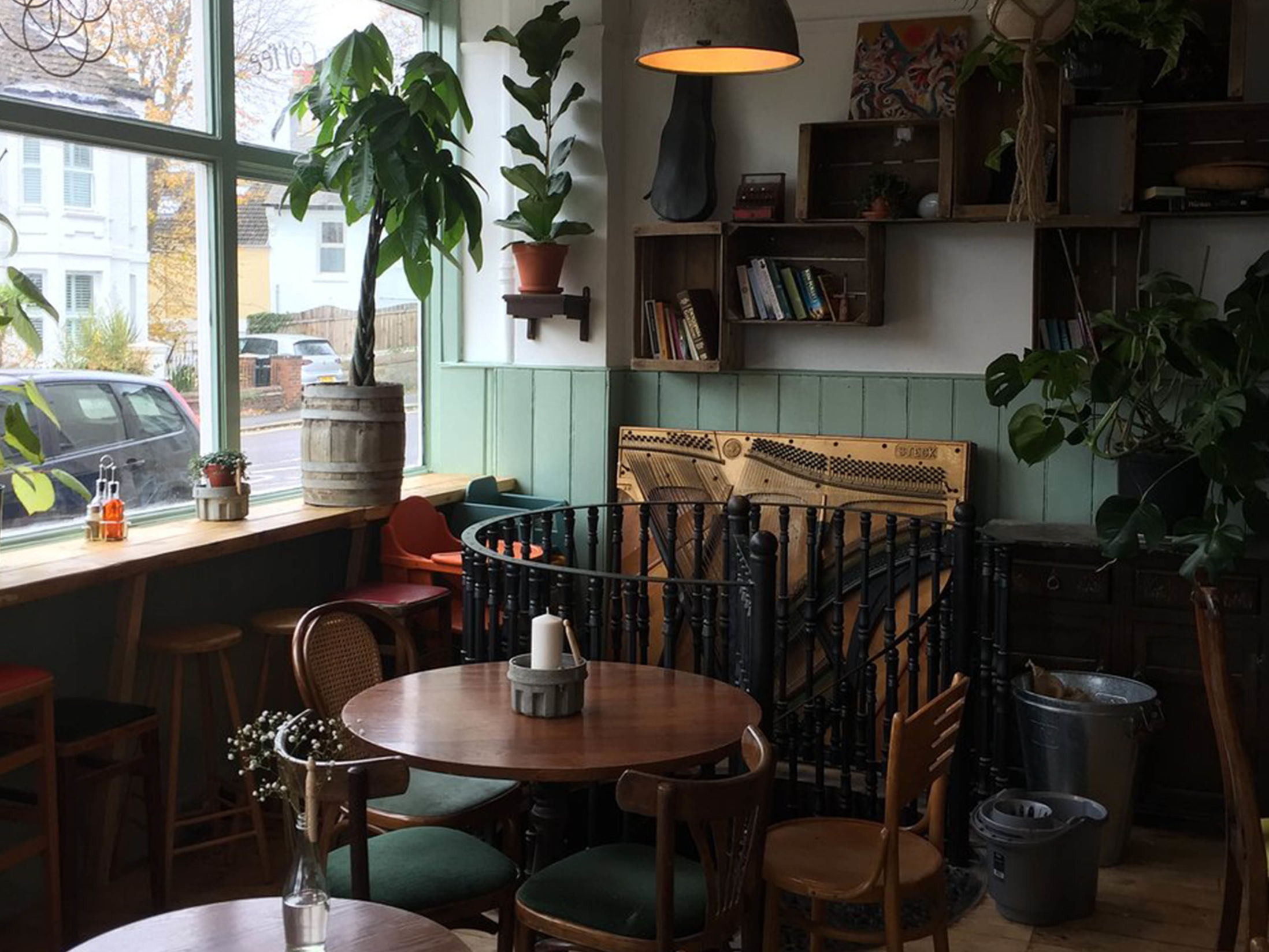 Best Vegan Restaurants in Brighton - The Roundhill