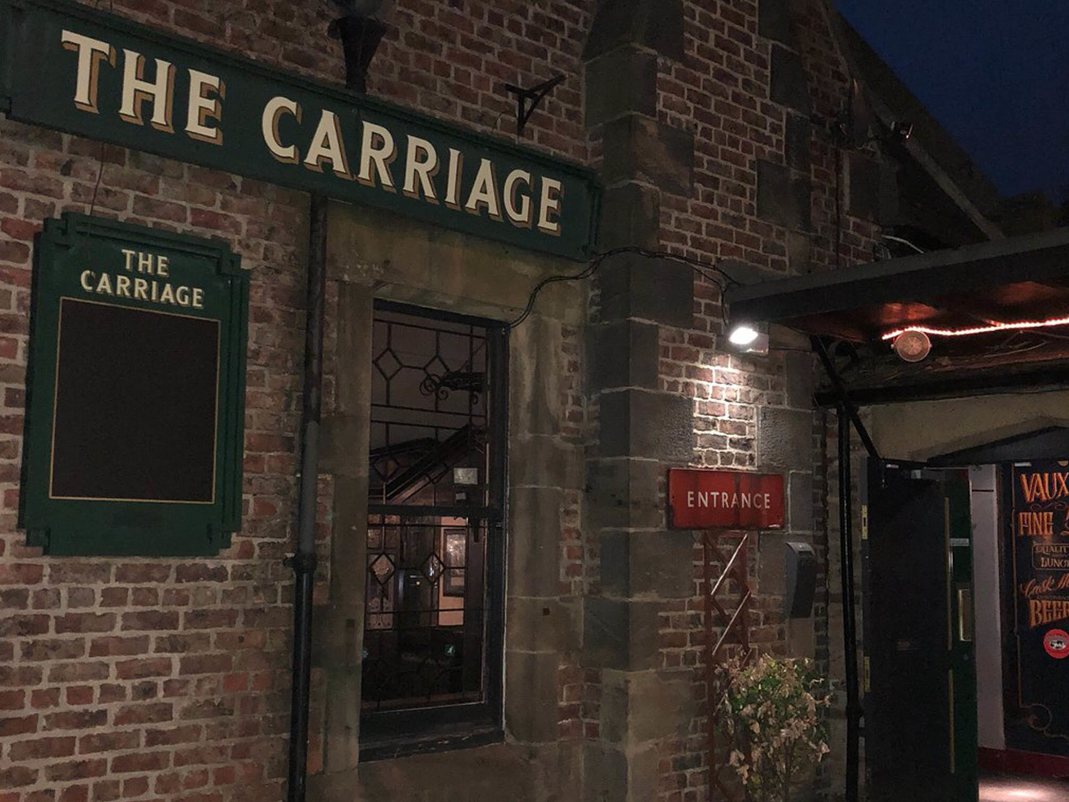 Best Vegan Restaurants in Newcastle - The Carriage Pub