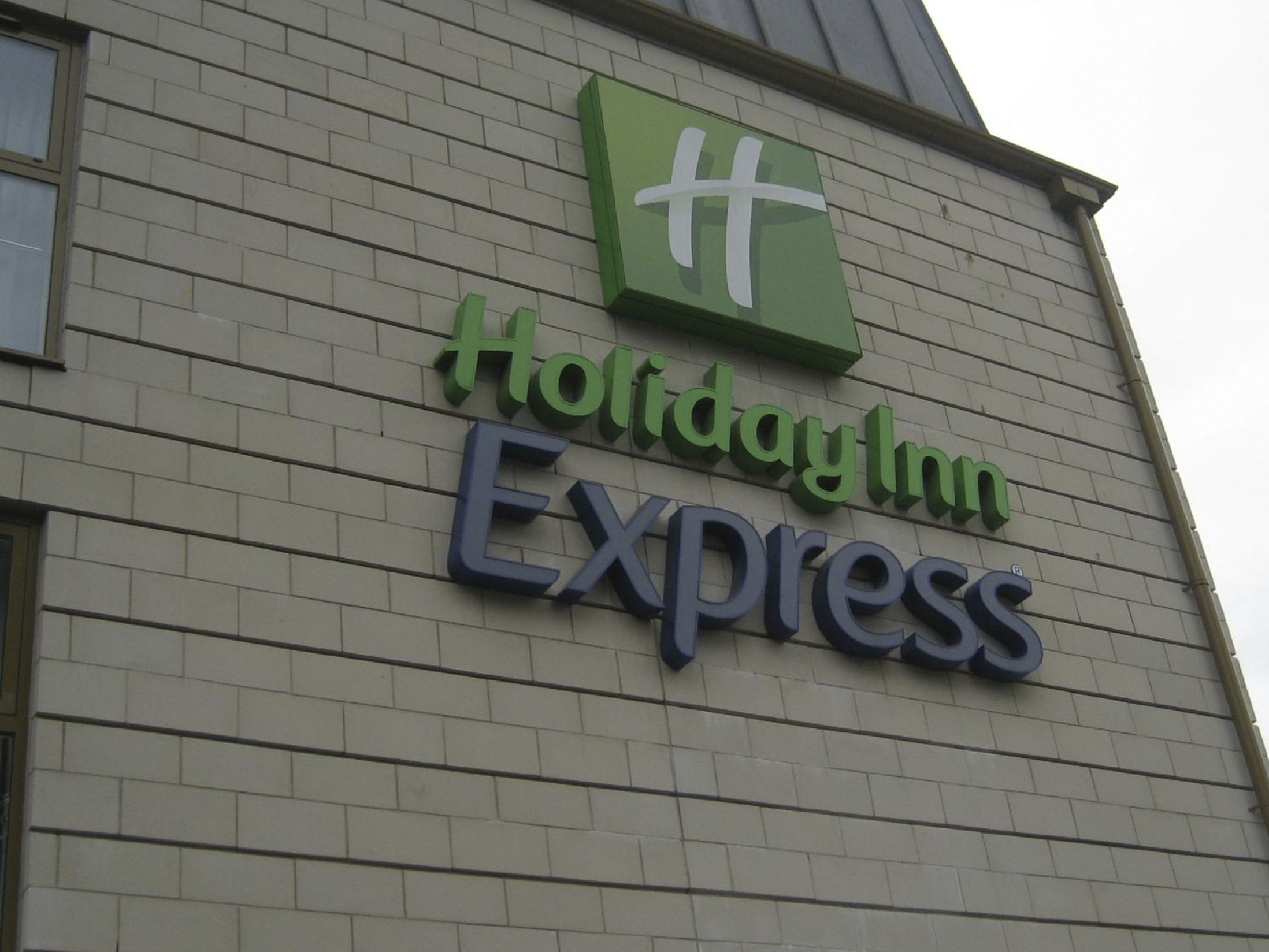 Cheap Hotels in Windsor - Holiday Inn Express