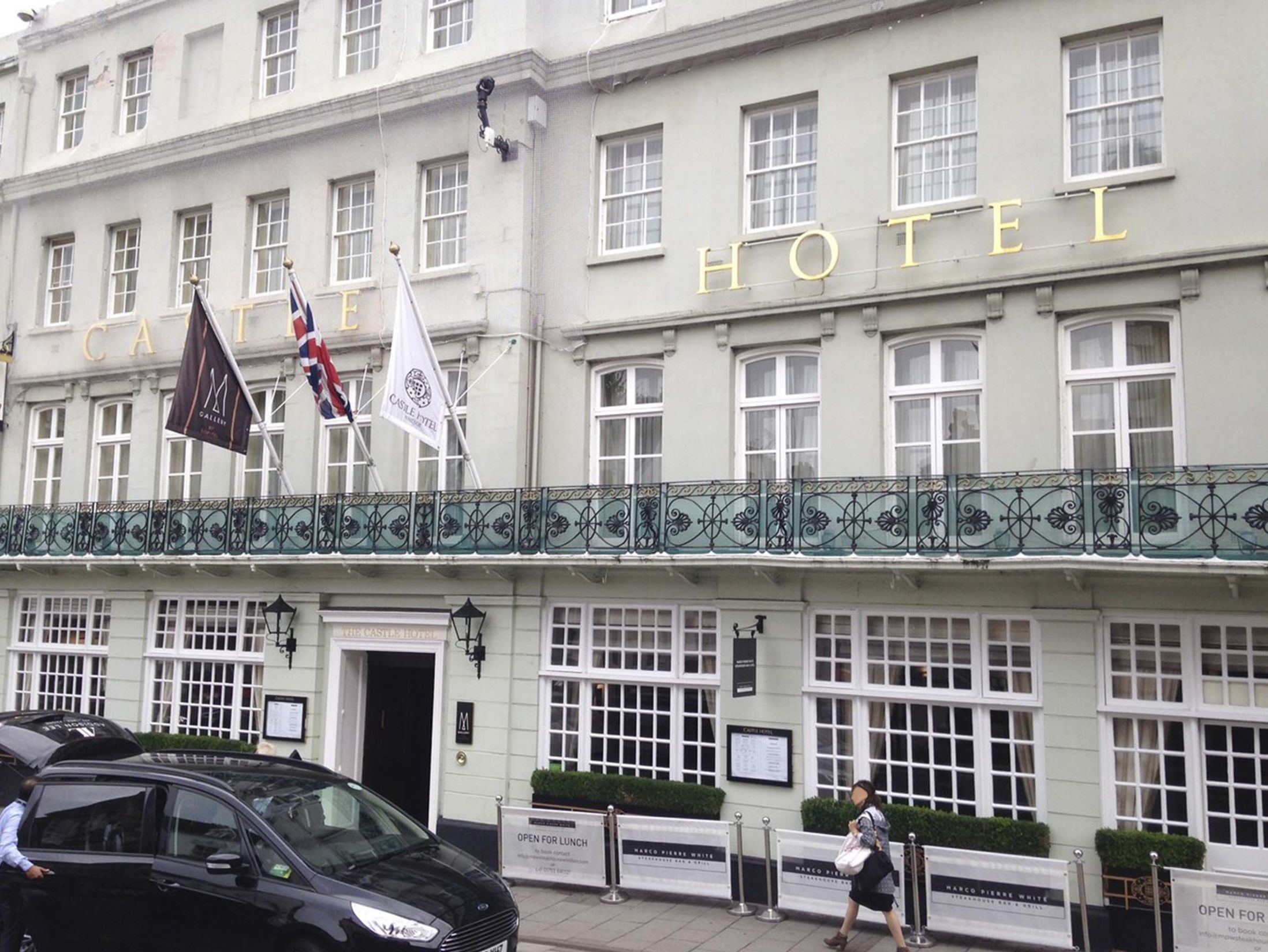 Cheap Hotels in Windsor - Castle Hotel
