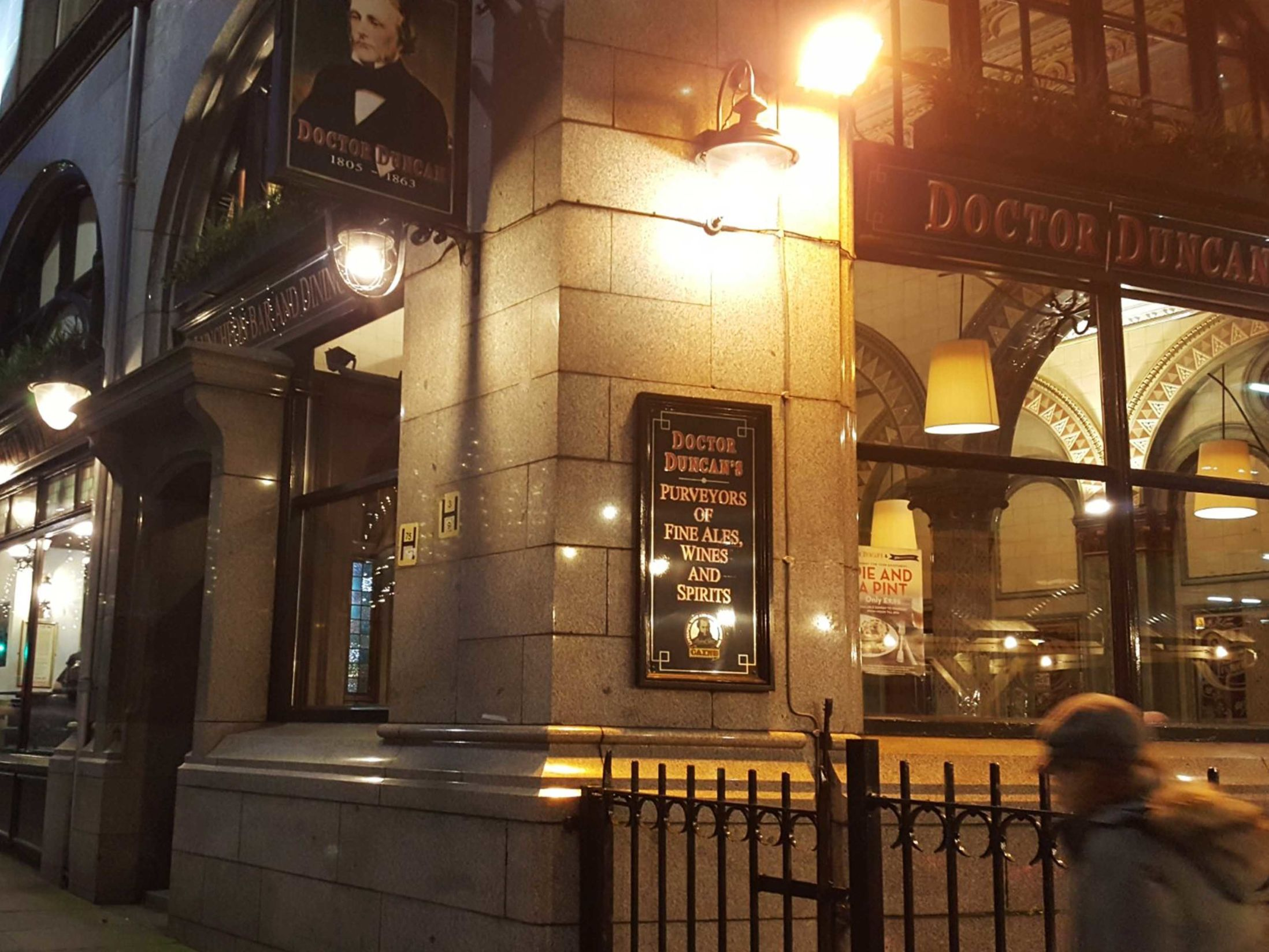 The 13 Best Pubs in Liverpool - Doctor Duncan's