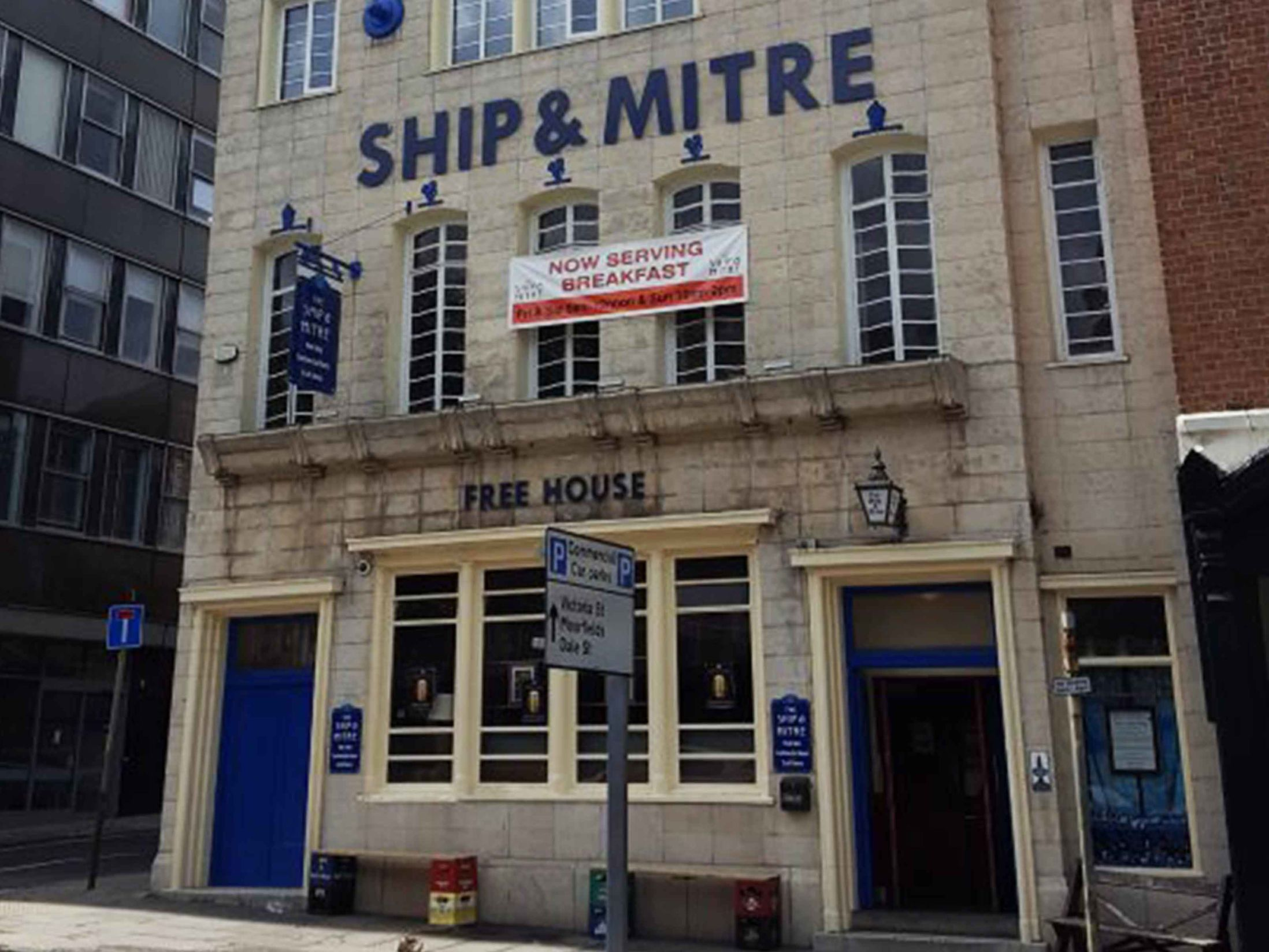 The 13 Best Pubs in Liverpool - The Ship & Mitre