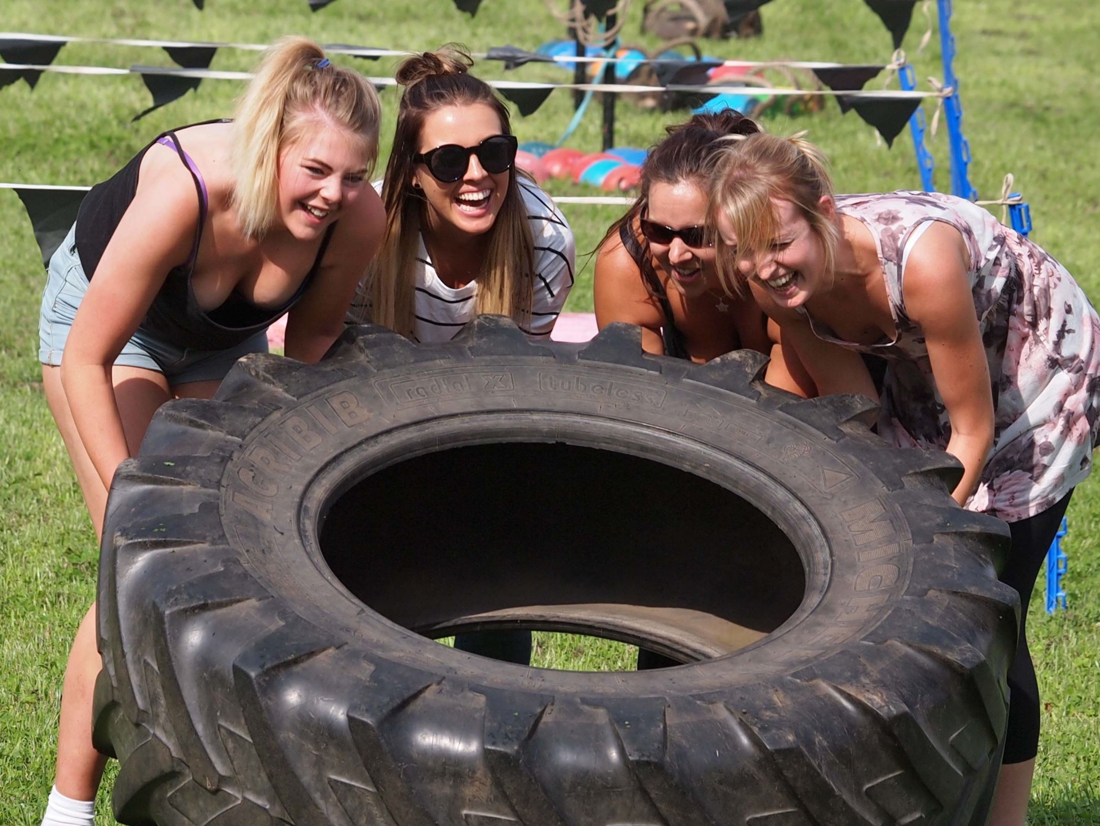 Outdoor Team Building Events in Croydon