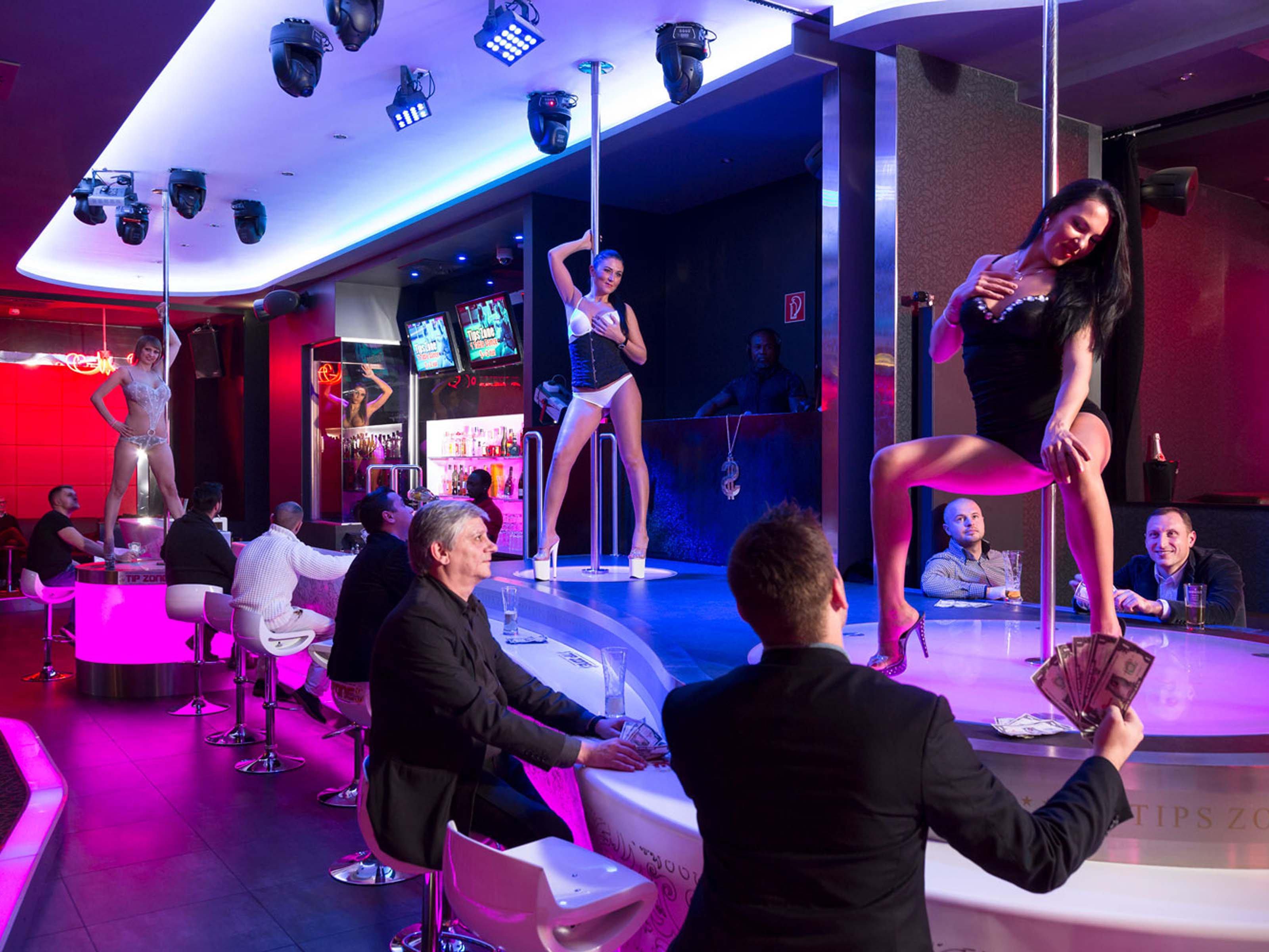 Strip clubs in centralny