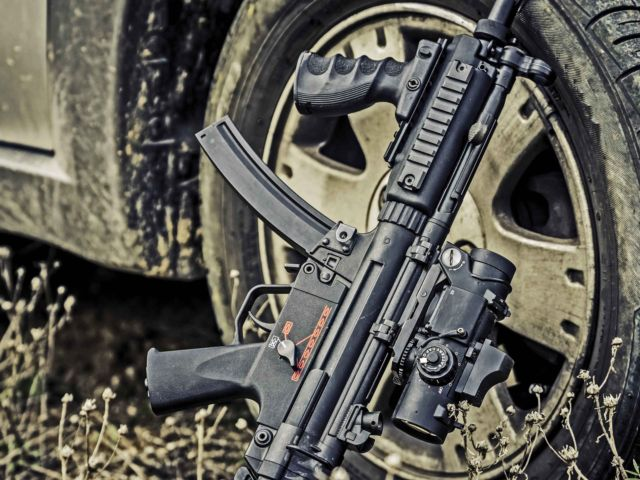 MP5 & AK-47 Shooting