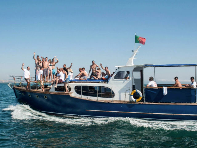 Private Motor Yacht -  2 Hours