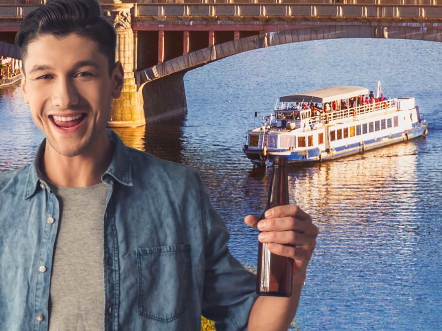 Private River Cruise with Unlimited Drinks Stag Do