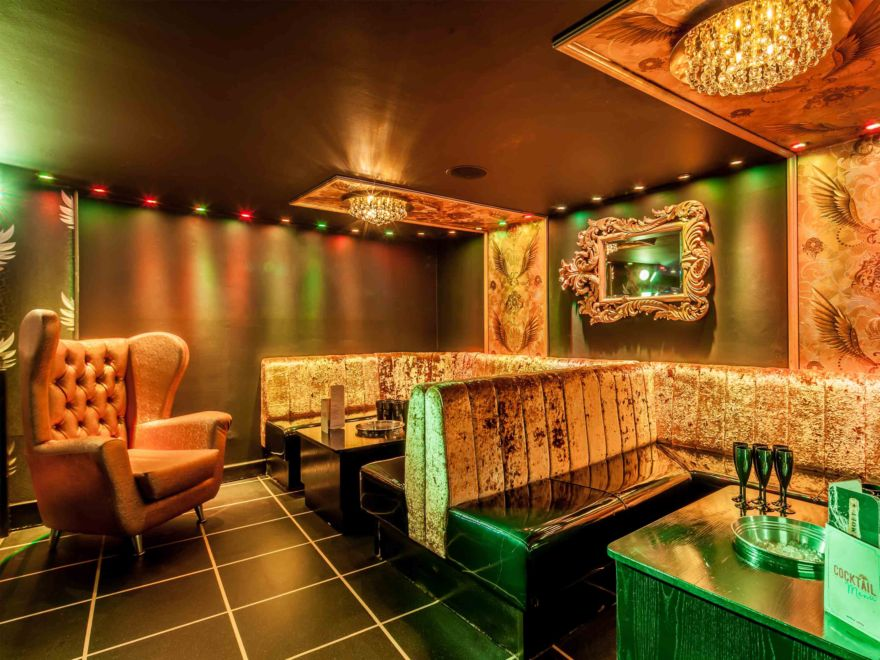 Atik Nightclub with Booths & Drinks
