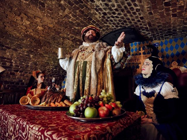 Medieval Banquet & Free Flowing Drinks